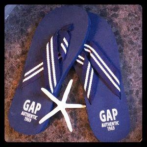Brand new Unisex GAP thong flip flops size 9